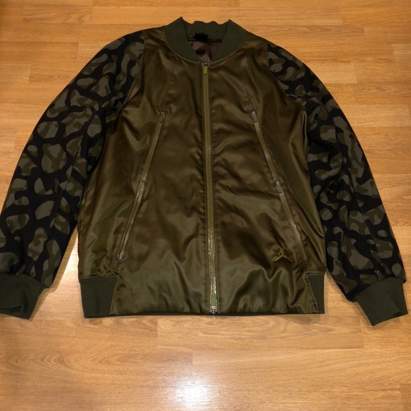 0da0aa6dc0bd Air Jordan L green flight bomber Camo jacket